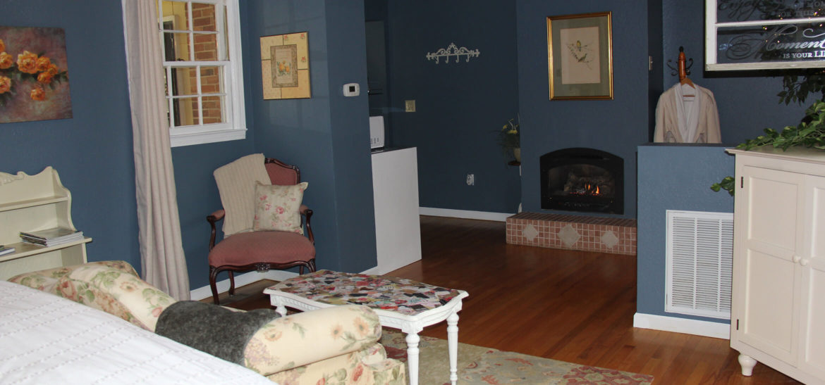 Cottage Suite sitting area and fireplace