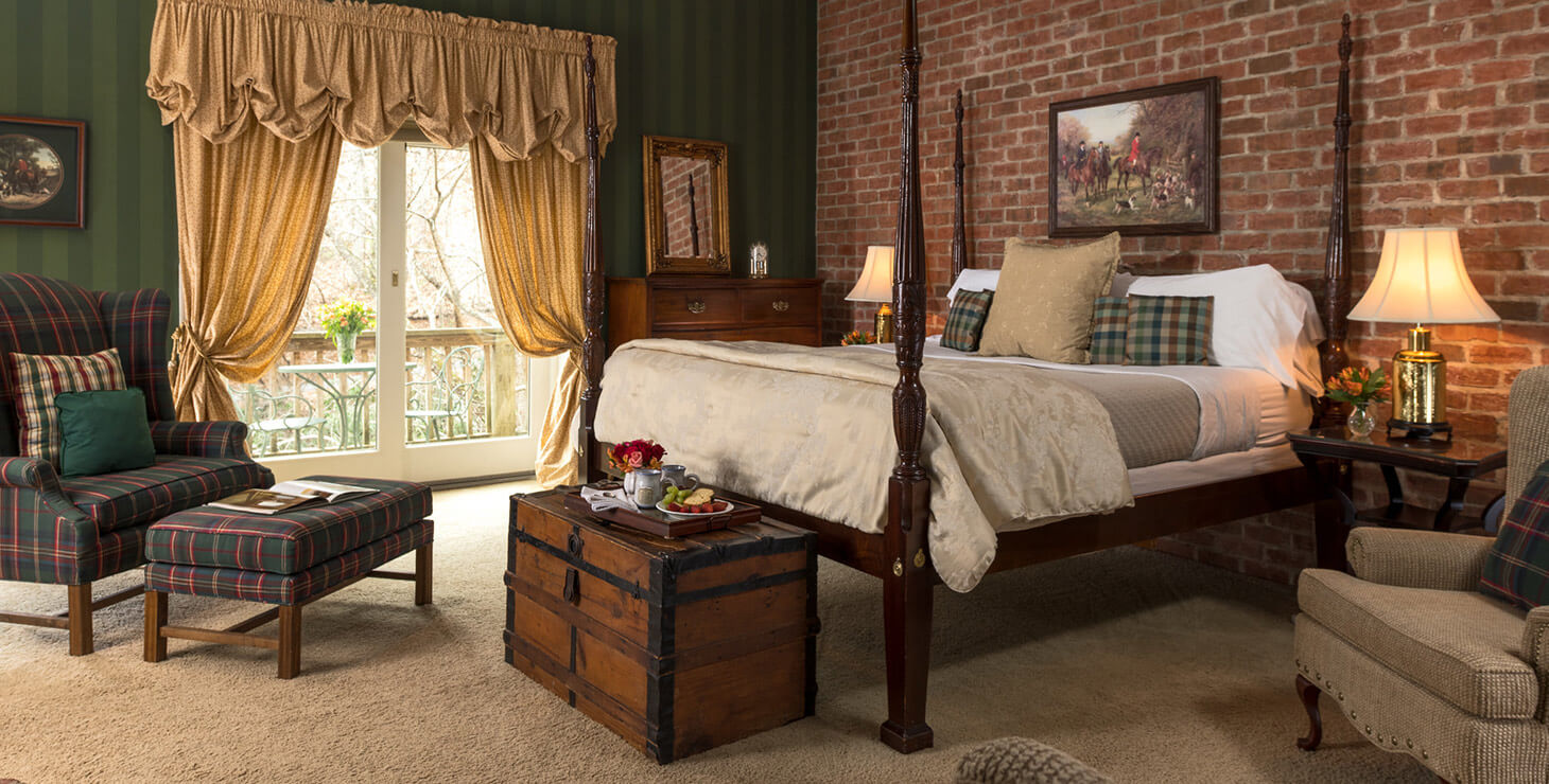 Carriage House Suite bed