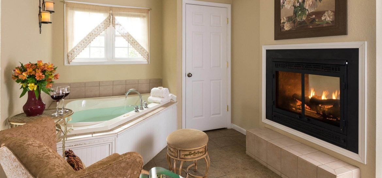 Kinsale Suite Jacuzzi bath and fireplace