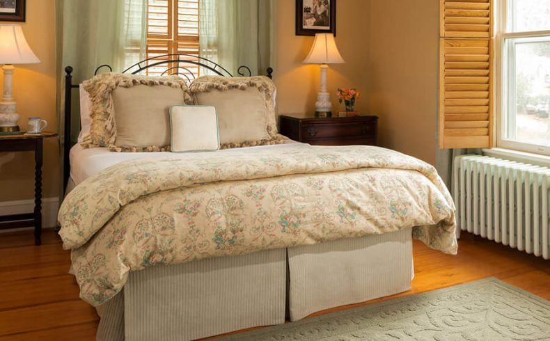 Rockwell Suite bed