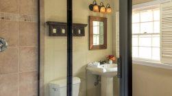 Sunrise Suite bathroom