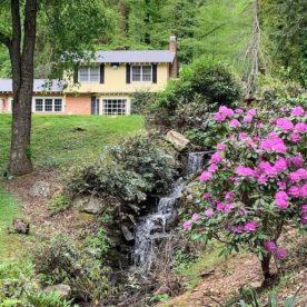 Yard Pond House
